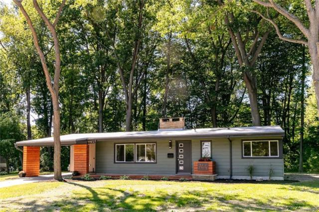 744 Lakeview Avenue, Port Huron, MI 48060 (MLS #218091625) :: The Toth Team