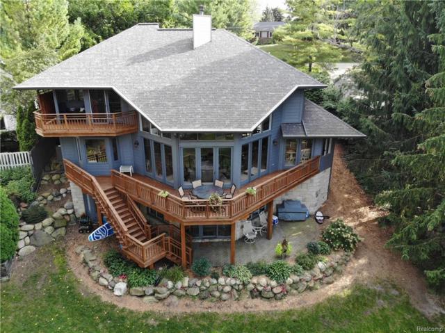 1745 Ridge Road, White Lake Twp, MI 48383 (#218091744) :: Duneske Real Estate Advisors