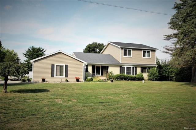 9453 White Lake Road, Tyrone Twp, MI 48430 (#218091970) :: The Mulvihill Group