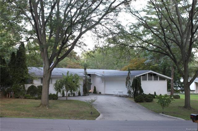 6895 Cedarbrook Drive, Bloomfield Twp, MI 48301 (#218092341) :: RE/MAX Nexus