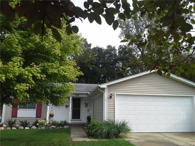 960 Hearthside Street, South Lyon, MI 48178 (#218092354) :: RE/MAX Classic