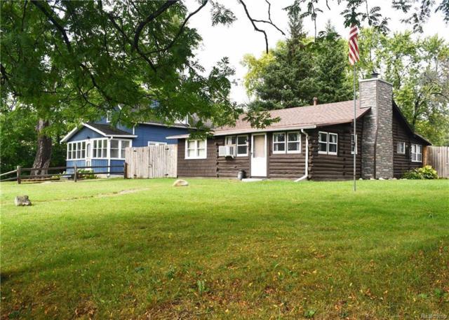 3808 Hazelett Drive, Waterford Twp, MI 48328 (MLS #218092487) :: The Toth Team