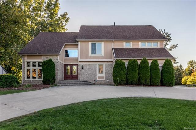 7249 Oakwood Drive, West Bloomfield Twp, MI 48322 (#218093372) :: RE/MAX Classic