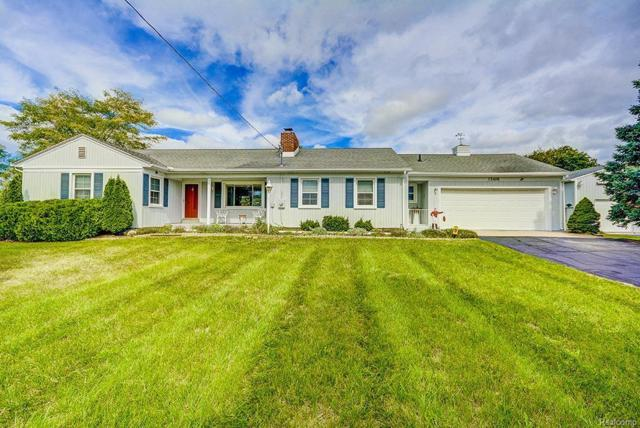 15406 W Austin Road, Manchester Twp, MI 48158 (#543260596) :: The Buckley Jolley Real Estate Team