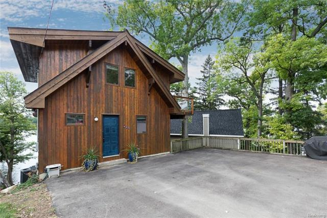 531 Westpointe Court, Lake Orion Vlg, MI 48362 (#218095299) :: RE/MAX Classic