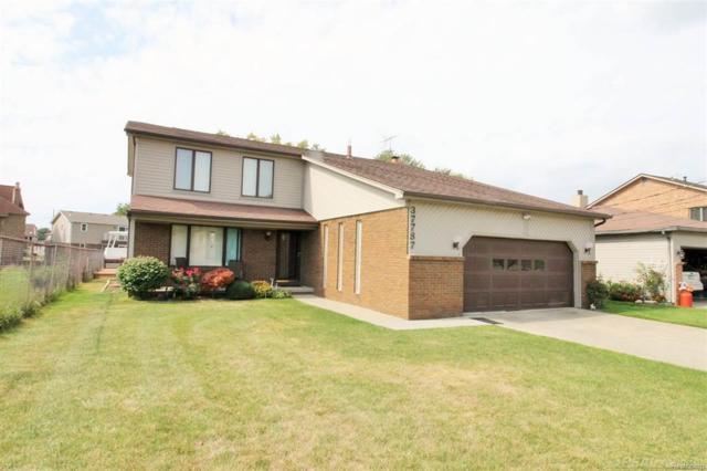 37787 Lakeville, Harrison Twp, MI 48045 (#58031361589) :: Duneske Real Estate Advisors