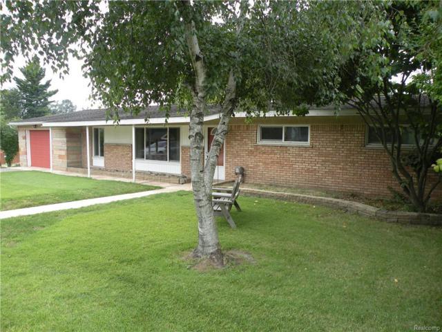 1292 S Williams Lake Rd, White Lake Twp, MI 48386 (#218096151) :: Duneske Real Estate Advisors
