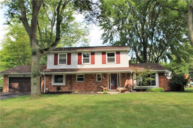 6611 Spruce Drive, Bloomfield Twp, MI 48301 (#218096751) :: The Buckley Jolley Real Estate Team