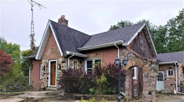 3194 S Vassar Road, Burton, MI 48519 (#218097615) :: The Buckley Jolley Real Estate Team
