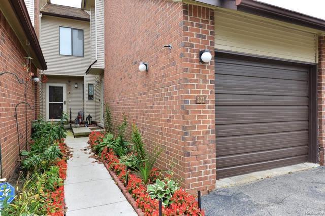 6660 Ridgefield Circle #202, West Bloomfield Twp, MI 48322 (#218100358) :: RE/MAX Classic