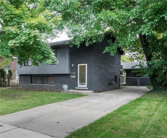 8811 W Eleven Mile Road, Huntington Woods, MI 48070 (#218100938) :: Keller Williams West Bloomfield