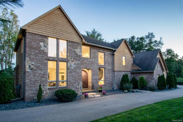 9414 Softwater Woods Drive, Springfield Twp, MI 48348 (#218101254) :: The Buckley Jolley Real Estate Team