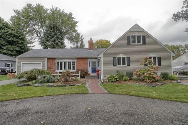 2010 Clinton Avenue, Saint Clair, MI 48079 (#218101696) :: The Buckley Jolley Real Estate Team