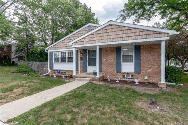 41312 Lehigh Lane #313, Northville Twp, MI 48167 (#218101952) :: RE/MAX Classic