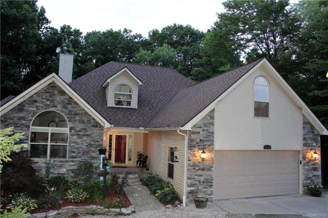 13275 Old Oaks Dr, Tyrone Twp, MI 48430 (#218102232) :: The Buckley Jolley Real Estate Team