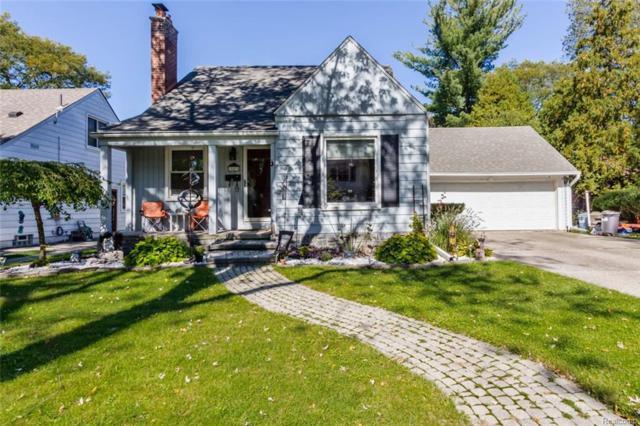 10478 Hart Avenue, Huntington Woods, MI 48070 (#218102404) :: Keller Williams West Bloomfield