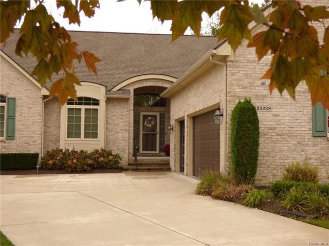 25228 Sutton Court #5, Novi, MI 48374 (#218103496) :: The Buckley Jolley Real Estate Team