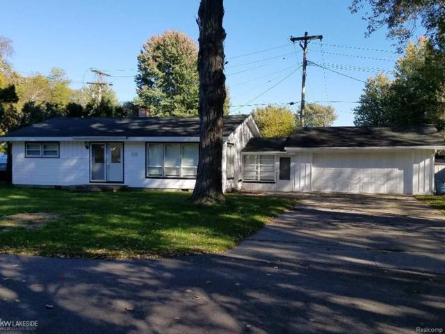 9641 Shady Lane, Clay Twp, MI 48001 (#58031363643) :: Duneske Real Estate Advisors