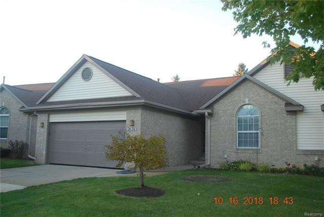 2131 Pleasant Drive #57, Commerce Twp, MI 48390 (#218105683) :: Keller Williams West Bloomfield