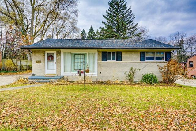 839 Friar Drive, Milford Vlg, MI 48381 (#543261580) :: The Buckley Jolley Real Estate Team
