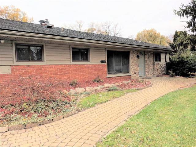 7320 N Briarcliff Knoll Drv, West Bloomfield Twp, MI 48322 (#218111989) :: The Alex Nugent Team   Real Estate One