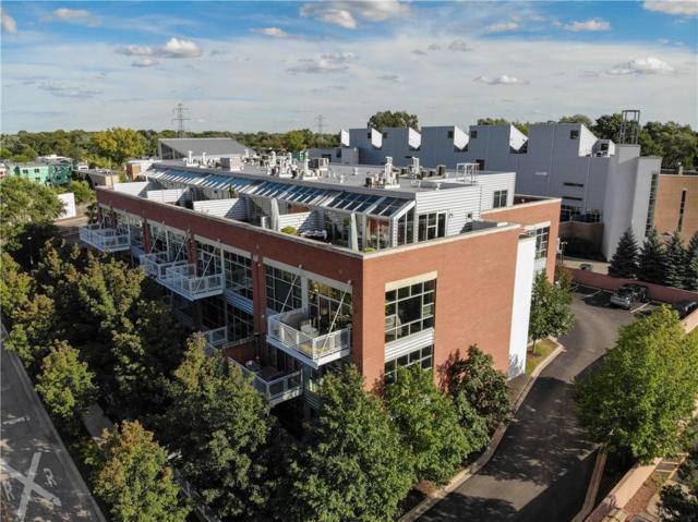 322 E Harrison Avenue #26, Royal Oak, MI 48067 (#218112157) :: The Alex Nugent Team | Real Estate One