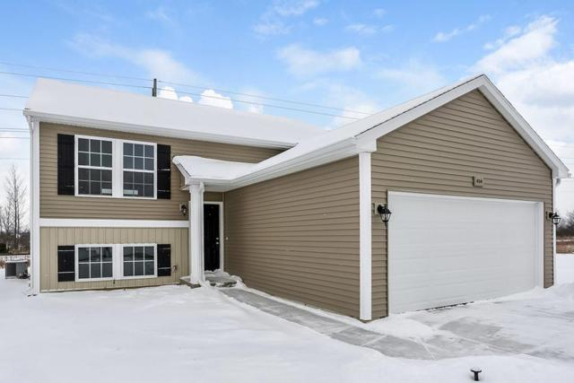 3213 Hill Hollow Lane, Howell Twp, MI 48855 (#218117697) :: The Mulvihill Group