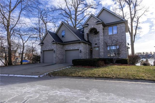 4021 Highcrest Drive, Genoa Twp, MI 48116 (#219004296) :: The Buckley Jolley Real Estate Team
