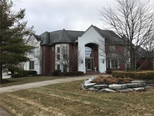 7028 Trailway Court, West Bloomfield Twp, MI 48322 (#219005509) :: RE/MAX Classic