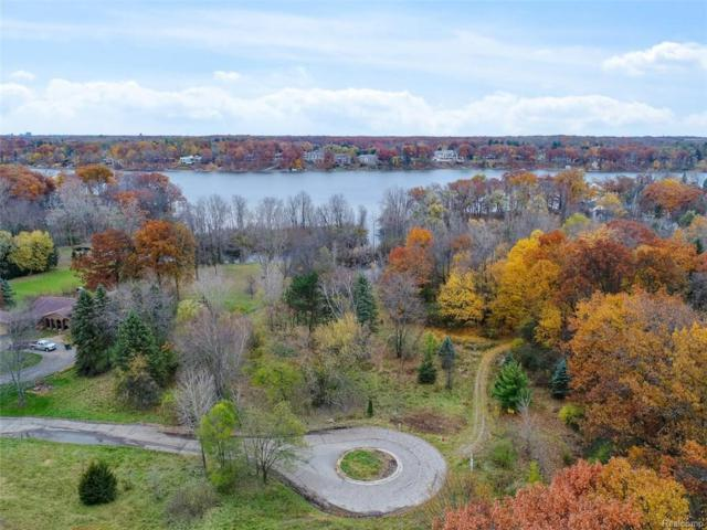 5345 Elmgate Bay Drive, Orchard Lake, MI 48324 (#219005732) :: Duneske Real Estate Advisors
