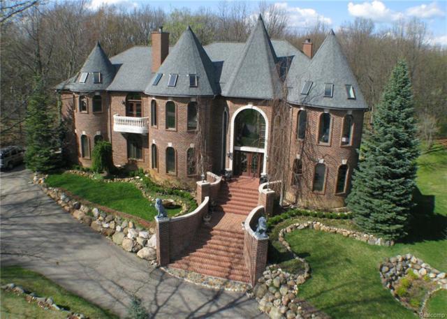 2972 Foxfire Drive, Milford Twp, MI 48380 (#219006900) :: The Buckley Jolley Real Estate Team