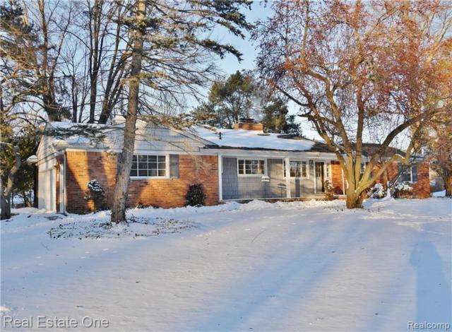 953 S Reading Road, Bloomfield Twp, MI 48304 (#219006962) :: The Alex Nugent Team | Real Estate One