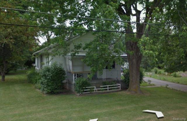 2104 Eberly Road, Flint Twp, MI 48532 (MLS #219011272) :: The Toth Team
