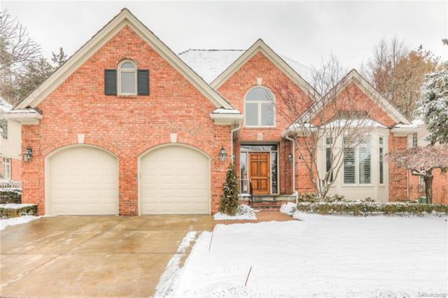 10 Vaughan Crossing, Bloomfield Hills, MI 48304 (#219012449) :: Keller Williams West Bloomfield