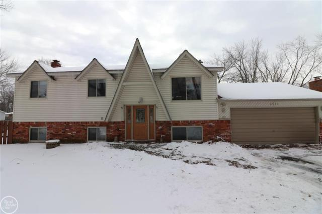 2840 Jackson Blvd, Highland Twp, MI 48356 (#58031370878) :: Alan Brown Group