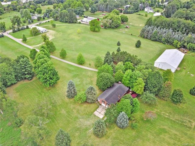 3145 Cooley Lake Road, Highland Twp, MI 48356 (#219016014) :: The Buckley Jolley Real Estate Team