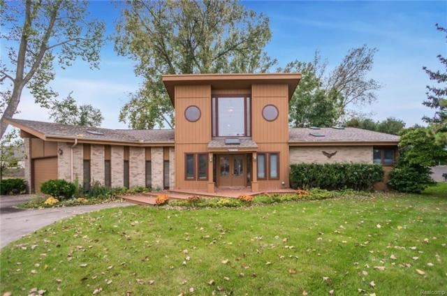 415 Berry Patch Lane, White Lake Twp, MI 48386 (#219016391) :: The Buckley Jolley Real Estate Team
