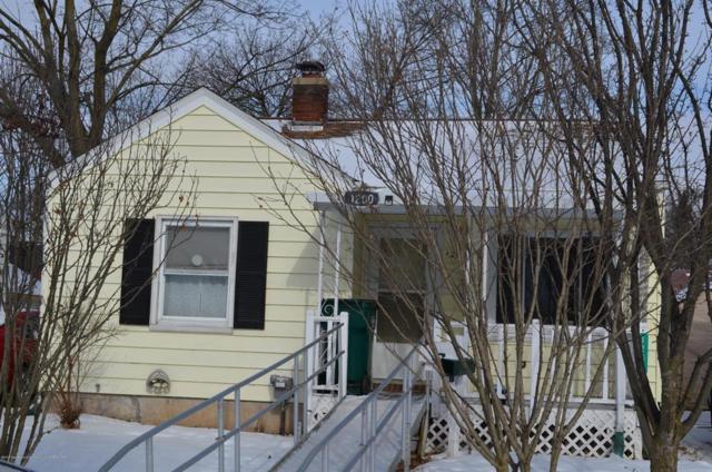 1200 W Rundle Avenue, Lansing, MI 48910 (MLS #630000234247) :: The Toth Team