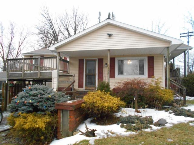 92 E Oregon Street, Lapeer, MI 48446 (#219019860) :: The Buckley Jolley Real Estate Team