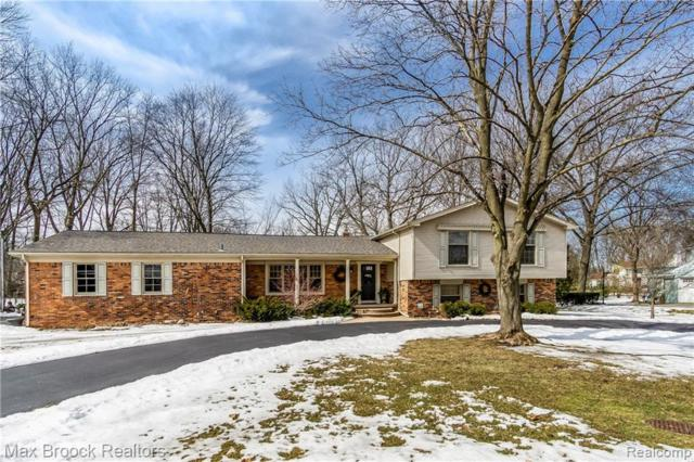 2477 Hunt Club Drive, Bloomfield Hills, MI 48304 (#219020595) :: RE/MAX Classic