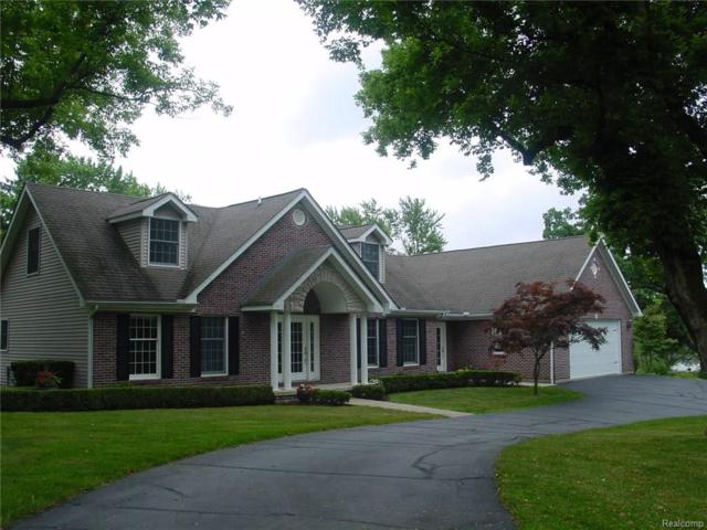 9055 Hunter Grove, Brighton Twp, MI 48114 (#219020604) :: The Buckley Jolley Real Estate Team