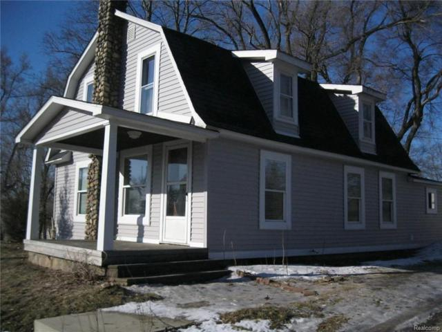 318 S Milford Road, Highland Twp, MI 48357 (#219020790) :: The Buckley Jolley Real Estate Team