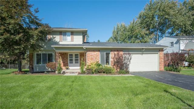 4032 Pinehurst Drive, West Bloomfield Twp, MI 48322 (#219022029) :: RE/MAX Classic