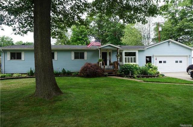 4715 N Duck Lake Rd, Highland Twp, MI 48356 (#219022616) :: The Buckley Jolley Real Estate Team