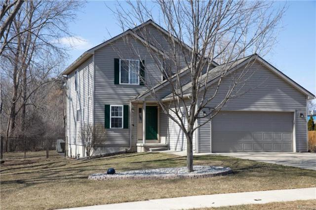 1441 Sherwood Forest Court, Waterford Twp, MI 48327 (#219023459) :: RE/MAX Classic