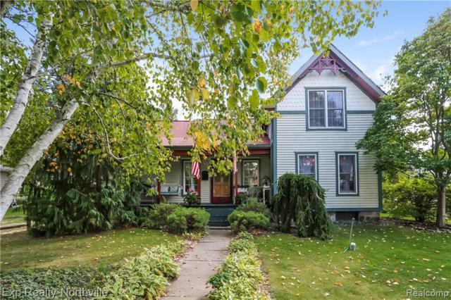 335 W Lake Street, South Lyon, MI 48178 (#219023764) :: The Buckley Jolley Real Estate Team