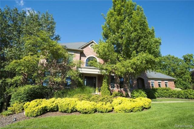 701 Wellington Circle, Rochester Hills, MI 48309 (#219023890) :: Team DeYonker