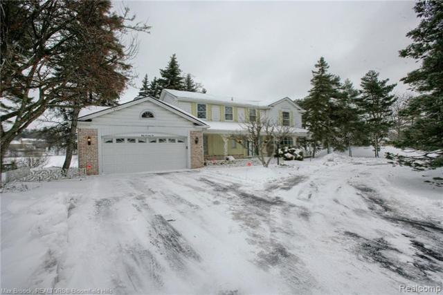 5076 Watergate Road, West Bloomfield Twp, MI 48323 (#219024151) :: GK Real Estate Team