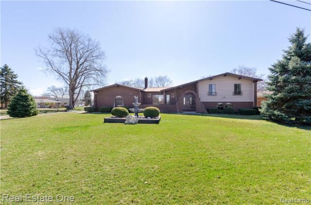 9059 Sandy Ridge Drive, White Lake Twp, MI 48386 (#219027766) :: RE/MAX Nexus