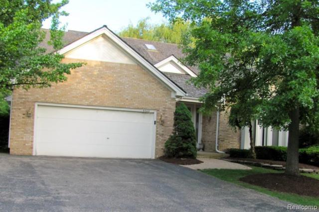 5045 Oakbrooke Drive, West Bloomfield Twp, MI 48323 (#219028054) :: The Buckley Jolley Real Estate Team